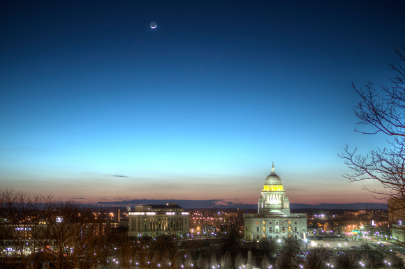 Comet above Statehouse